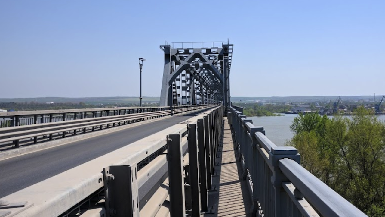 """В лявото платно ще се движат пътуващите към Румъния по """"Дунав мост 2"""" от 20 септември до 4 октомври"""