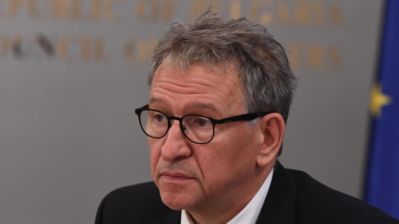 Министър Кацаров: Експертният съвет по имунопрофилактика още няма решение за третата доза на ваксината срещу COVID