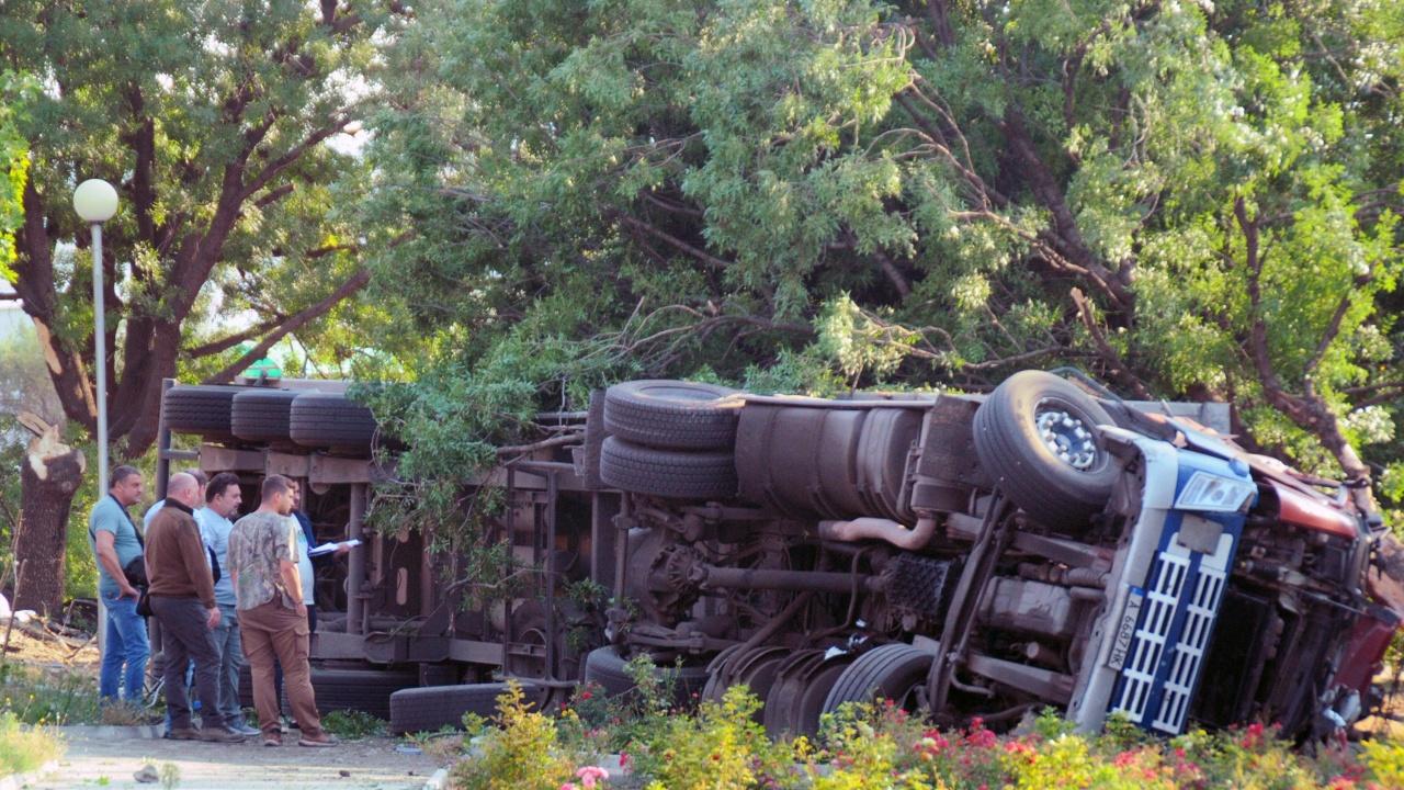 Катастрофиралият в Айтос камион е минал преглед преди 4 дни