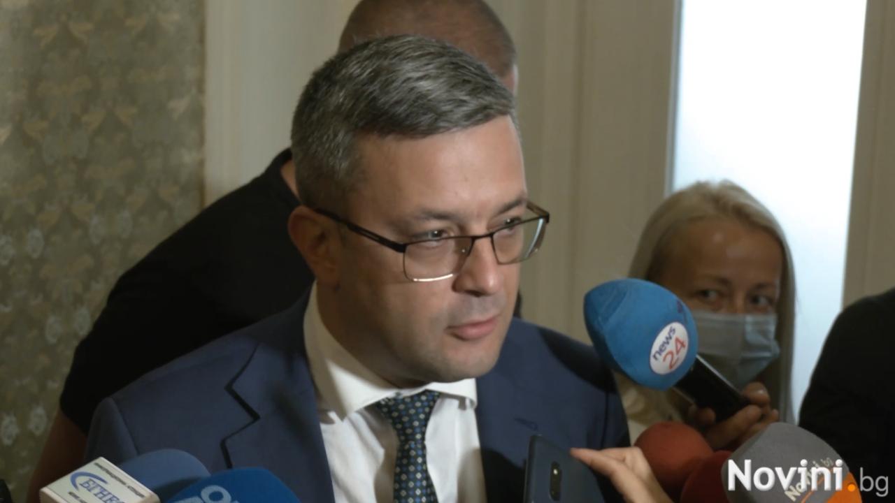 Биков: Проектът на Петков и Василев цели да направи това, което партиите на протеста не успяха
