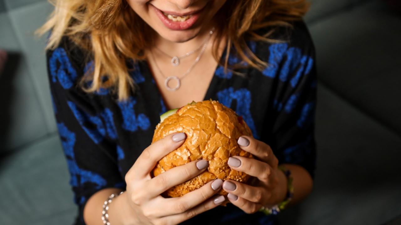 Жена откри човешки пръст в любимия си хамбургер
