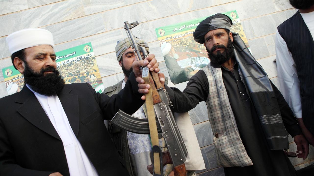 Месец след падането на Кабул талибаните са изправени пред икономическа криза