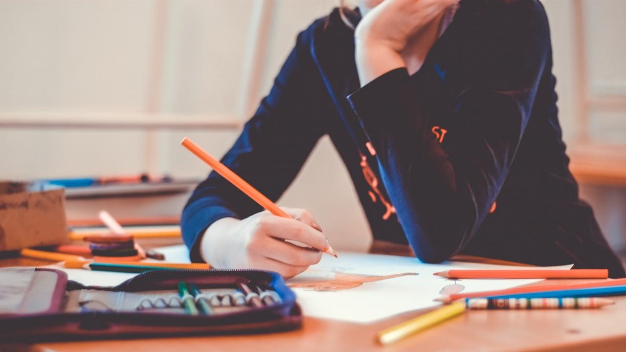 Ученичка: Предпочитам обучението да бъде в присъствена форма