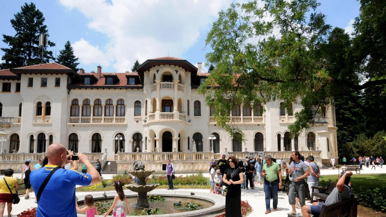 """Паркът """"Врана"""" в София се превръща в мащабна светлинна арт инсталация"""