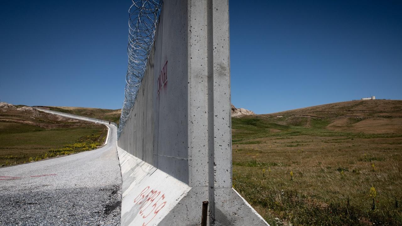 Турция удължава предпазната стена по границата си с Иран