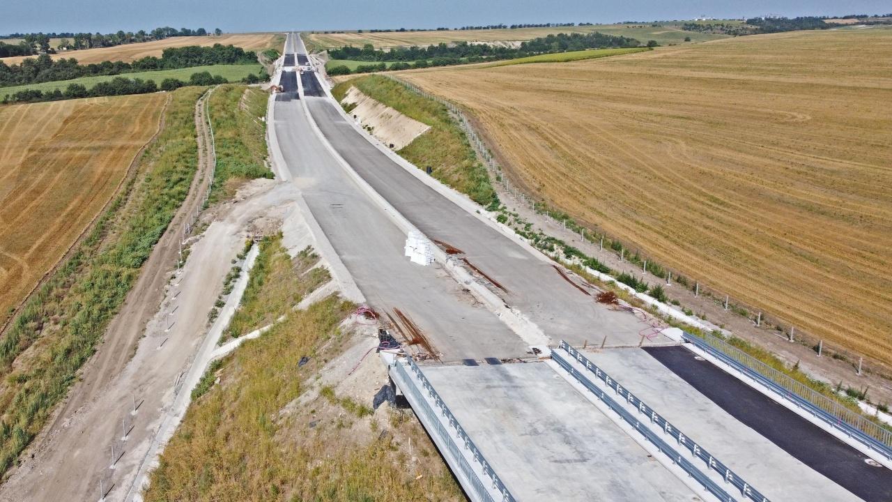До края на месеца пътят Монтана-Берковица-София ще е изцяло обновен