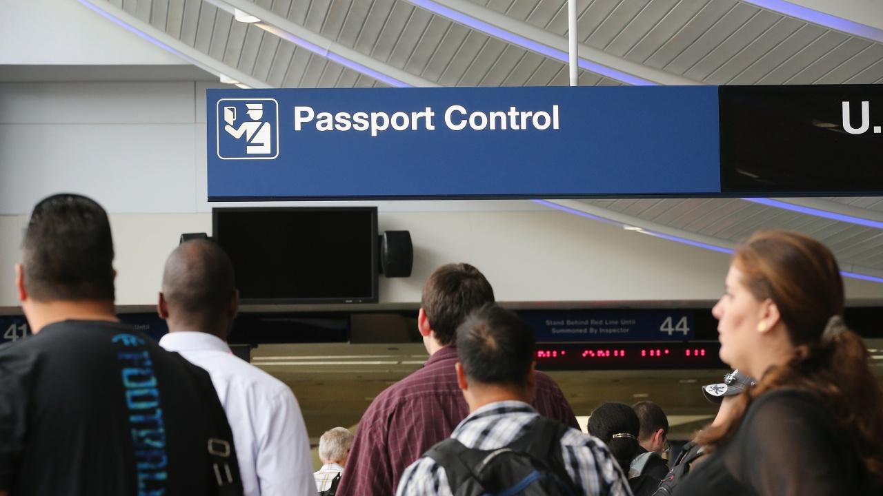 Американските визи може да отпаднат за хървати до края на годината