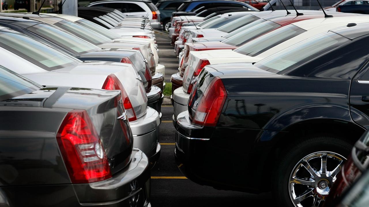 Рязък спад на продажбите на нови коли