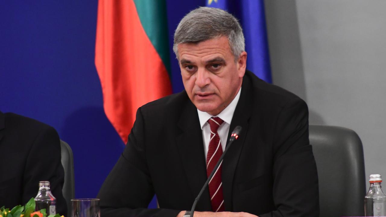 """Премиерът Янев и министър Комитова ще се срещнат с ръководството на ББК """"Пътища"""""""