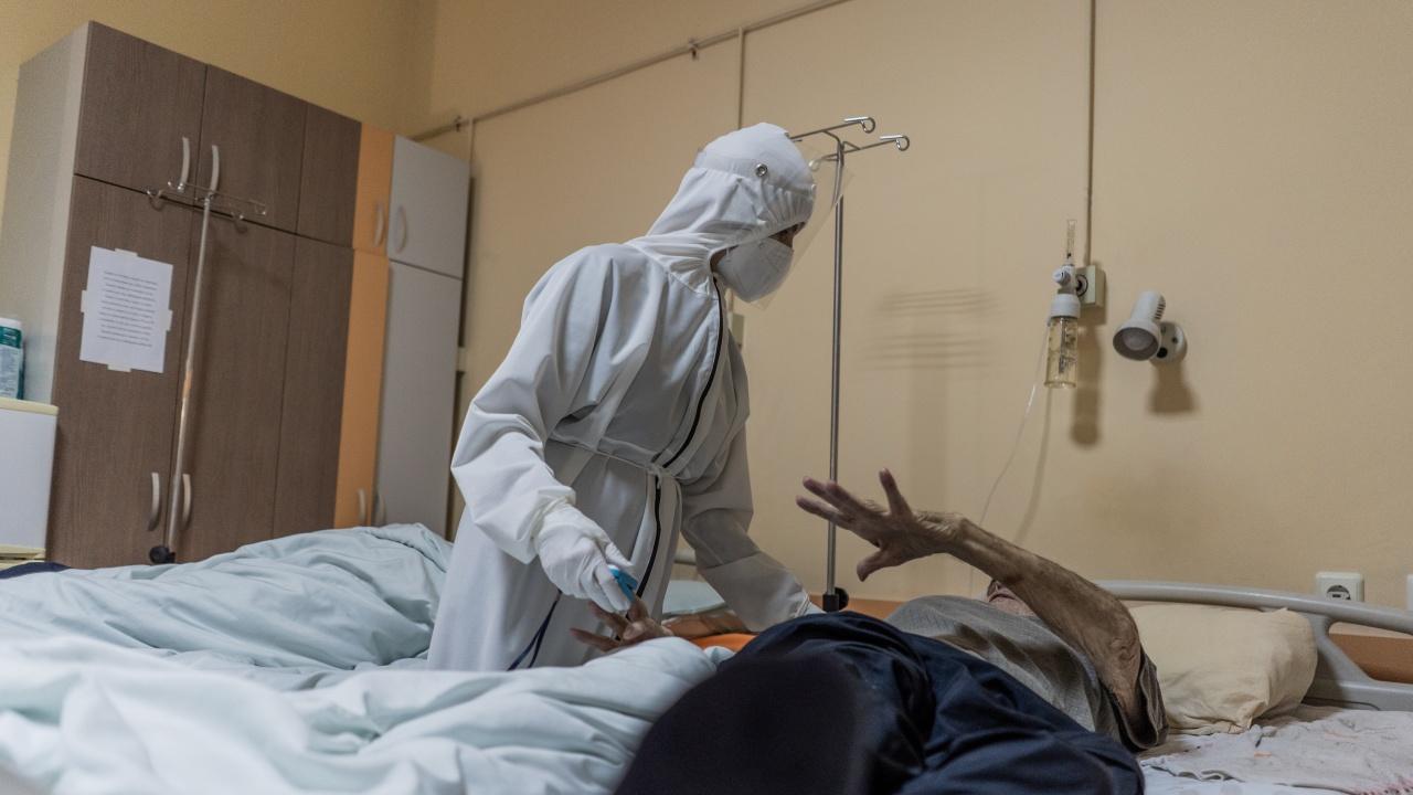 Русенско: Четирима мъже и една жена с коронавирус са починали