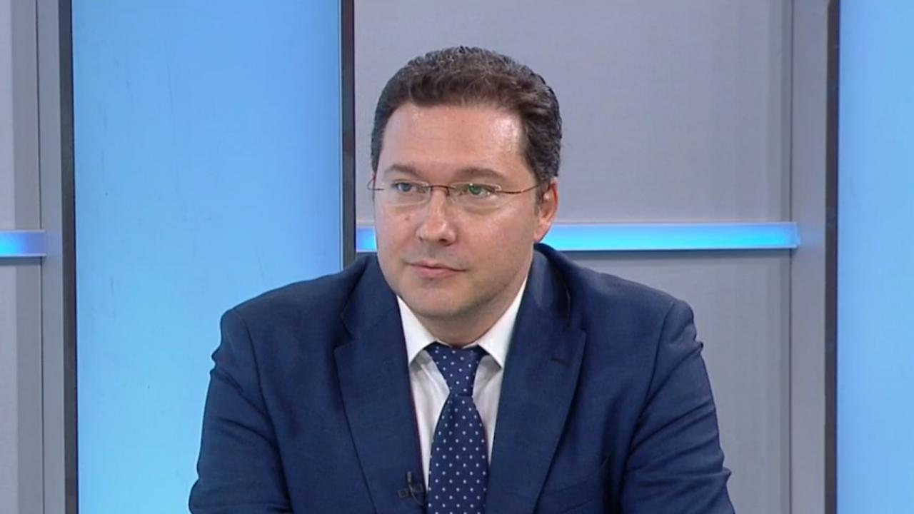 Митов: Радев се хвали с постиженията на ГЕРБ, явно е станал жертва на собствената си пропаганда