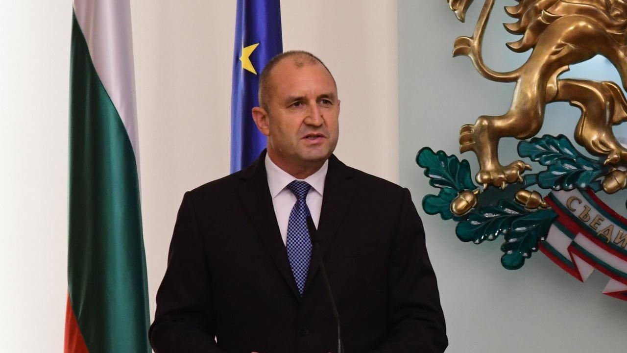 """Президентът ще удостои  почетния консул на България в Канада с орден """"Мадарски конник"""" - първа степен"""