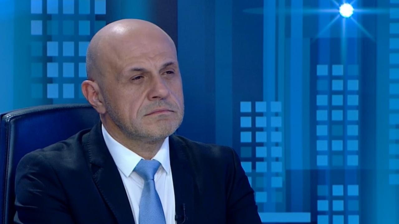 Дончев: Няма как да се гушнем с всички, ще се борим да си върнем доверието сред хората
