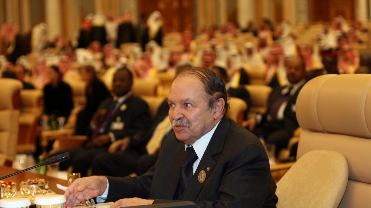 Бившият алжирски президент Абделазиз Бутефлика почина на 84 години