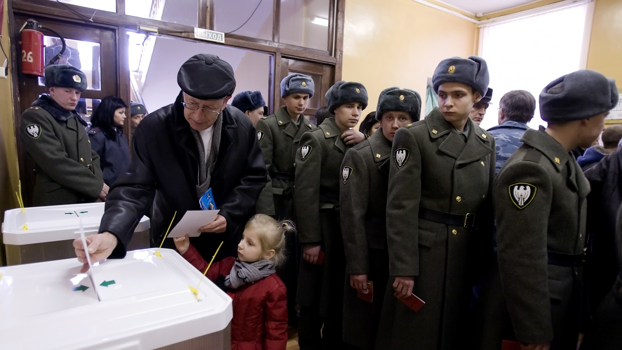Единна Русия се готви за победа след последния ден на парламентарните избори