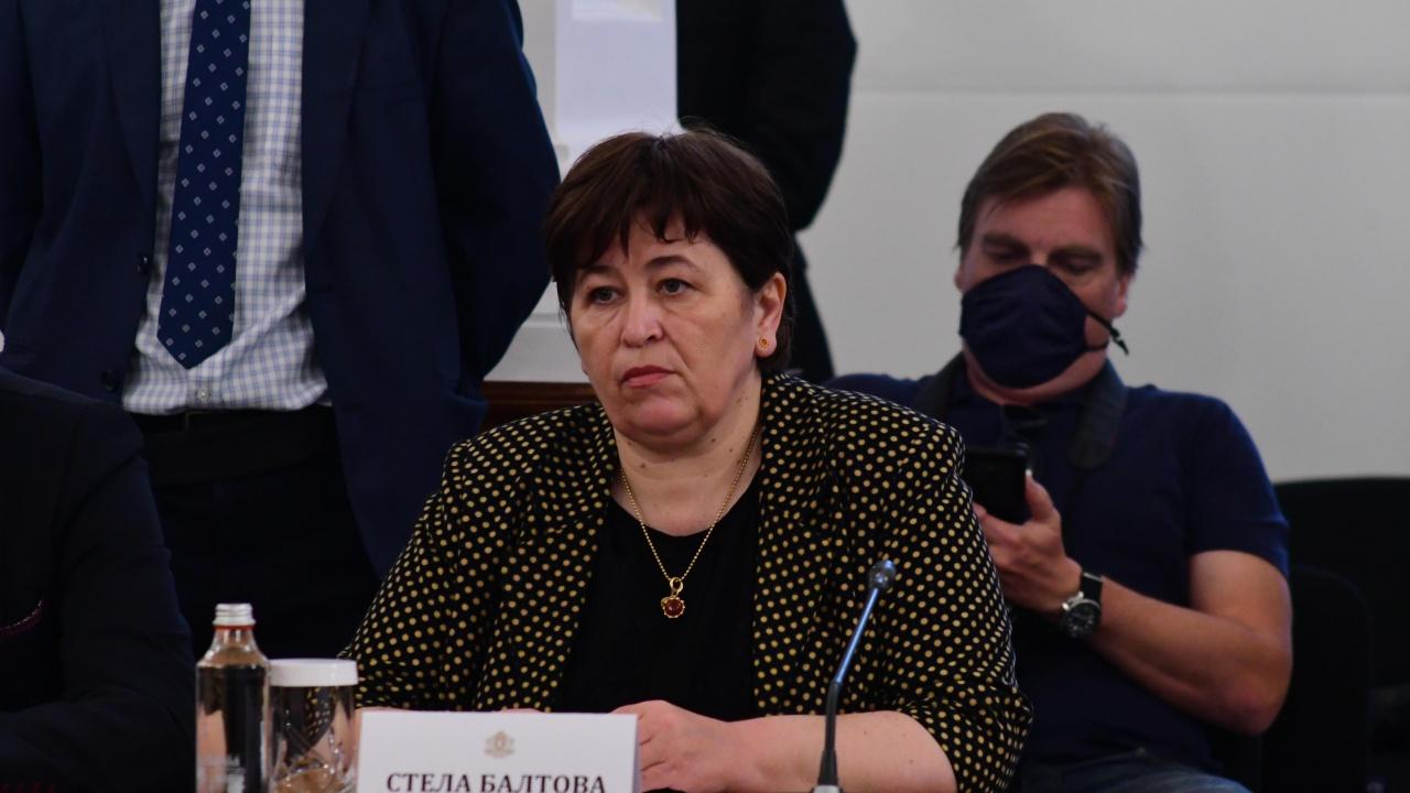 Стела Балтова: Здравното министерство ще организира томбола за ваксинирани
