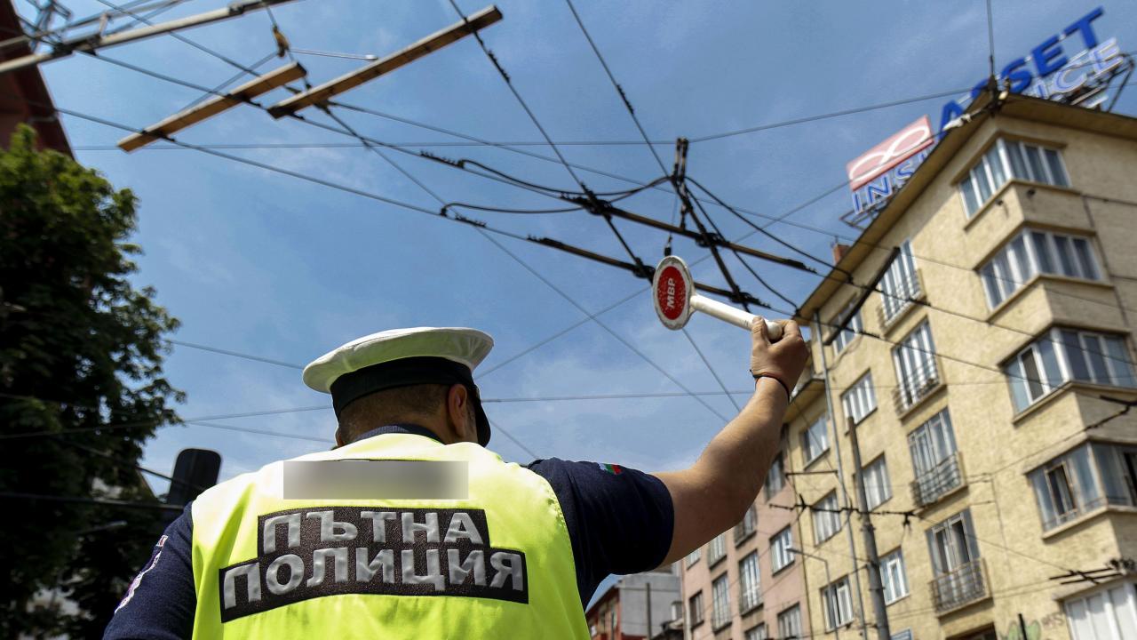 От утре пътни полицаи ще регулират натоварено кръстовище в Пловдив