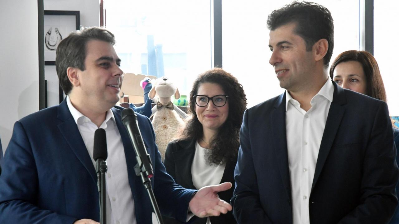 Експерти: Формацията Петков-Василев ще е лидерски проект, важно е с какви хора ще се обградят