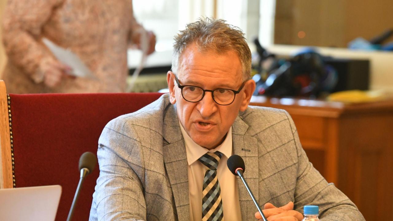 Д-р Кацаров: МЗ осъжда категорично незаконните действия на антиваксърите
