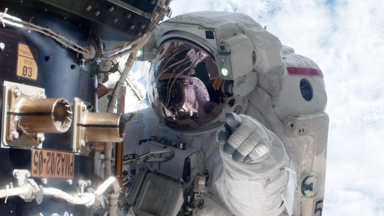 НАСА избра място за прилуняване на своя луноход