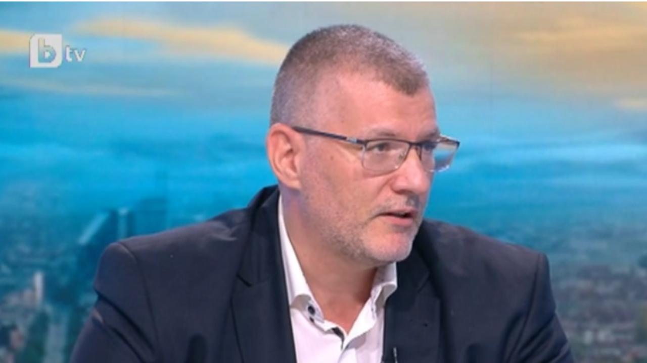 Проф. Момеков: Няма алтернатива на ваксинацията срещу COVID-19