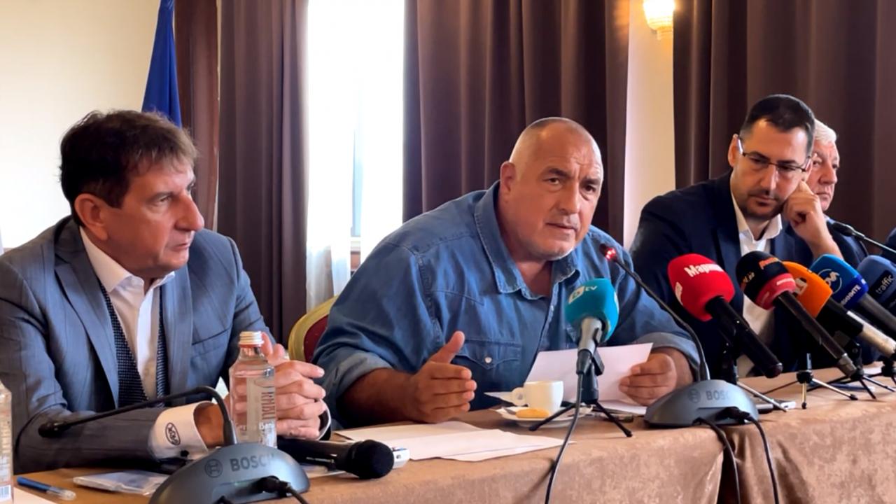 Борисов предупреди, че се готви затваряне на държавата и отсече: Всичко поскъпна със стотици проценти! Ей това им е промяната!