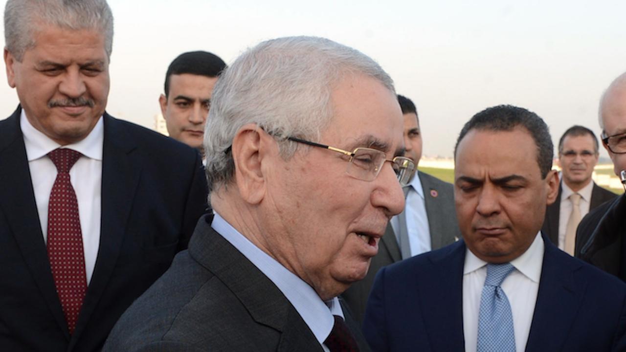 Почина бившият президент на Алжир Абделкадер Бенсалах