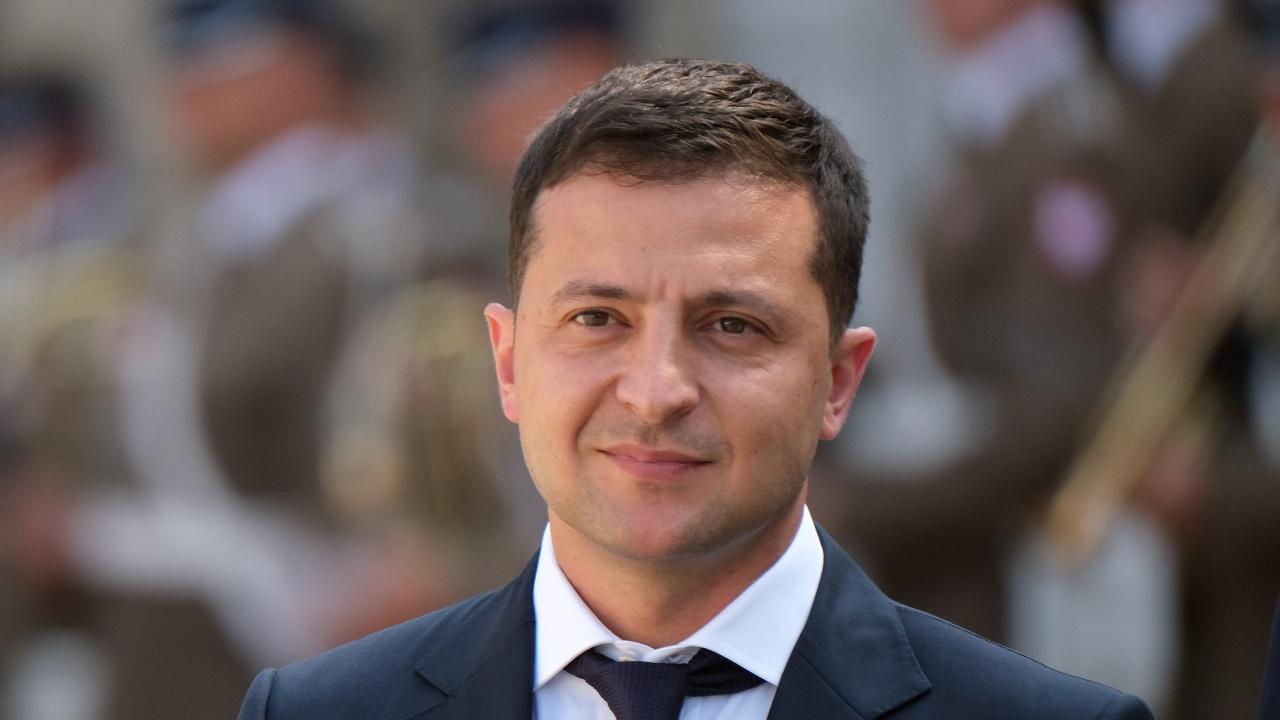 Обстрелваха колата на близък сътрудник на Зеленски, президентът обеща силен отговор