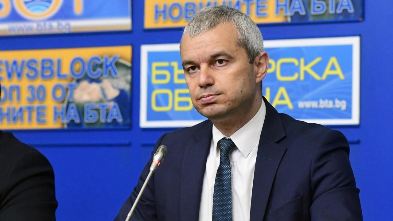 """Лидерът на """"Възраждане"""" се кандидатира за президент"""