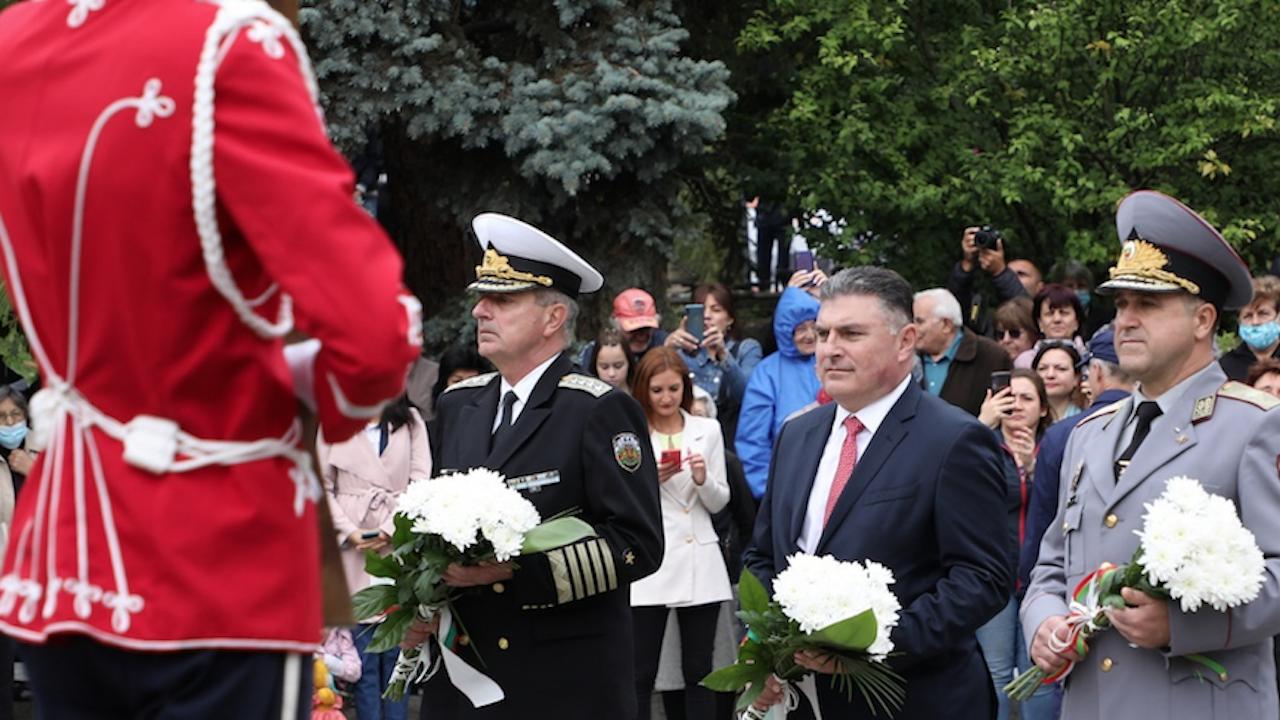 Министърът на отбраната отбеляза 113 години от обявяването на Независимостта на  България