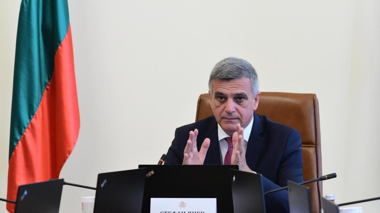 Янев обсъжда с представители на туризма парите за сектора