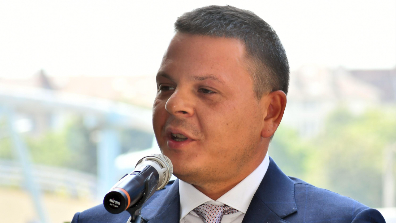 Новият транспортен министър с внезапна инспекция на жп депата в София и Илиянци