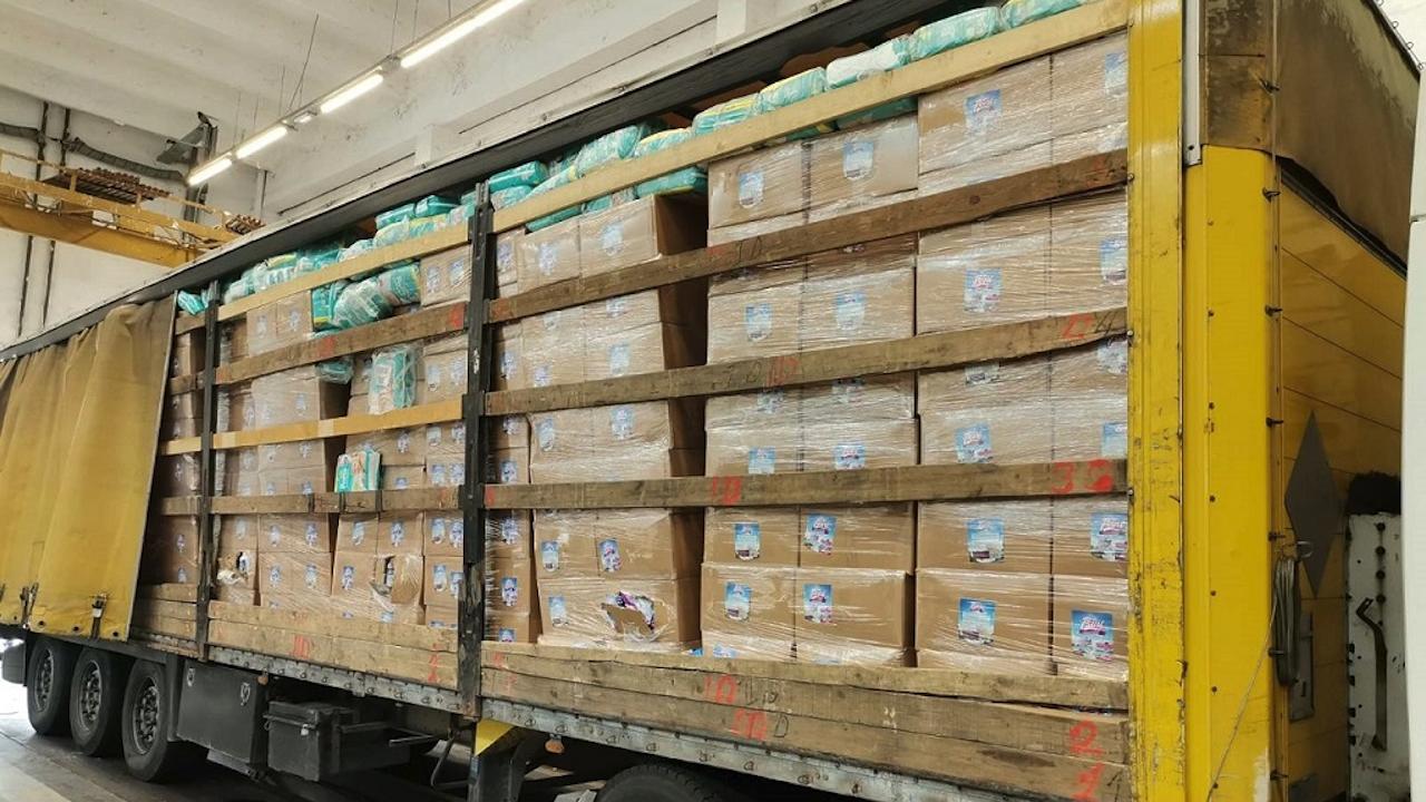 Митничари спипаха над 18 тона контрабандни препарати за растителна защита