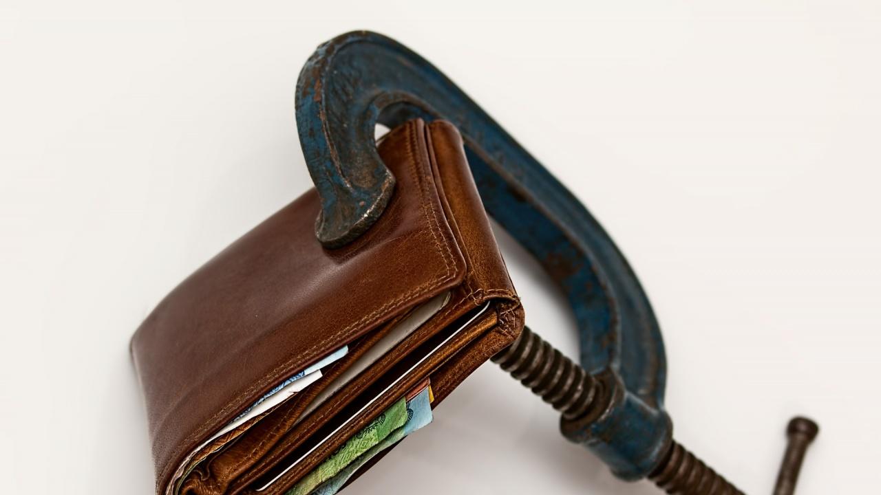 Експерт: Време е да се подготвим за ново затягане на семейния бюджет