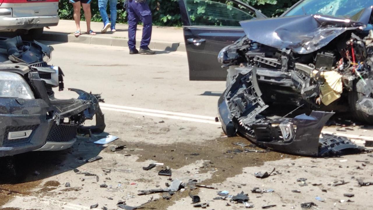 Четирима ранени при пътно меле в София