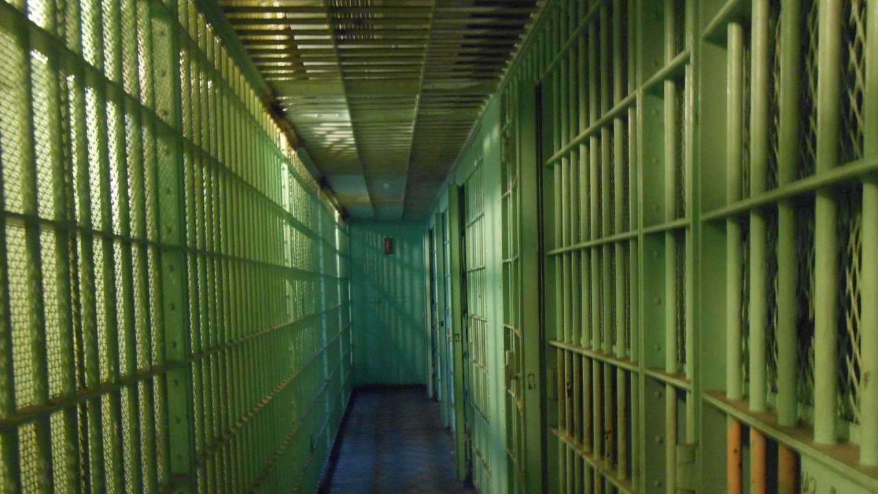 Хванаха затворник да си вари ракия, той заведе дело за нарушени човешки права