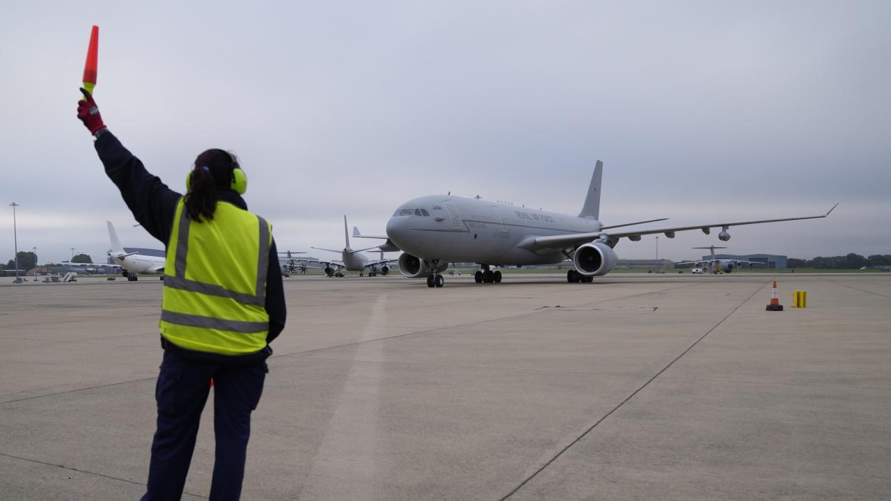 МВнР евакуира от Кабул афганистански служител на българското посолство