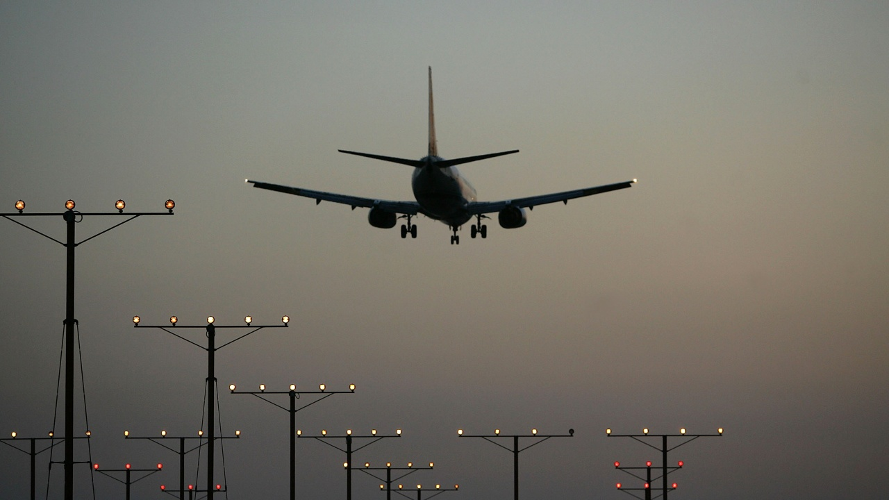 Полетите към Ла Палма бяха нарушени заради вулканичното изригване