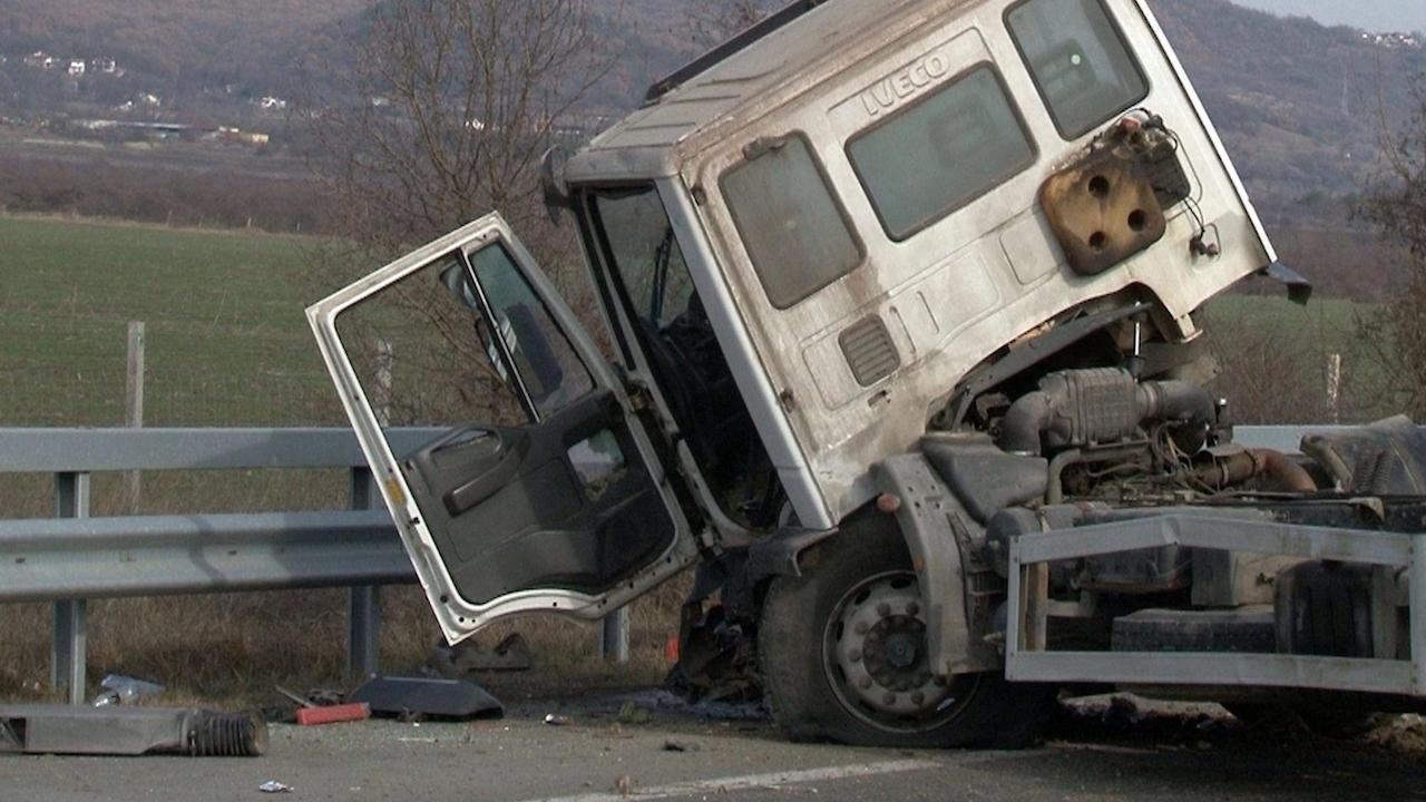 Временно е ограничено движението в двете посоки на пътя Видин-Монтана за тежкотоварни автомобили