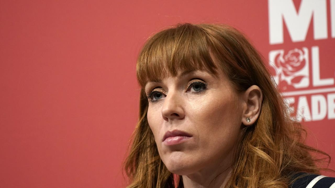 Заместник-лидер на лейбъристите не се извини, след като обиди консерваторите