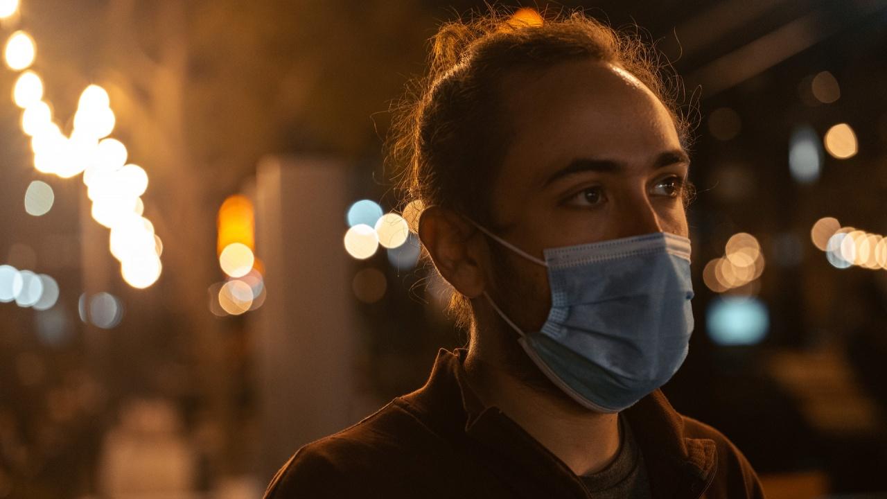 В Букурещ от днес маската отново става задължителна на оживени обществени места