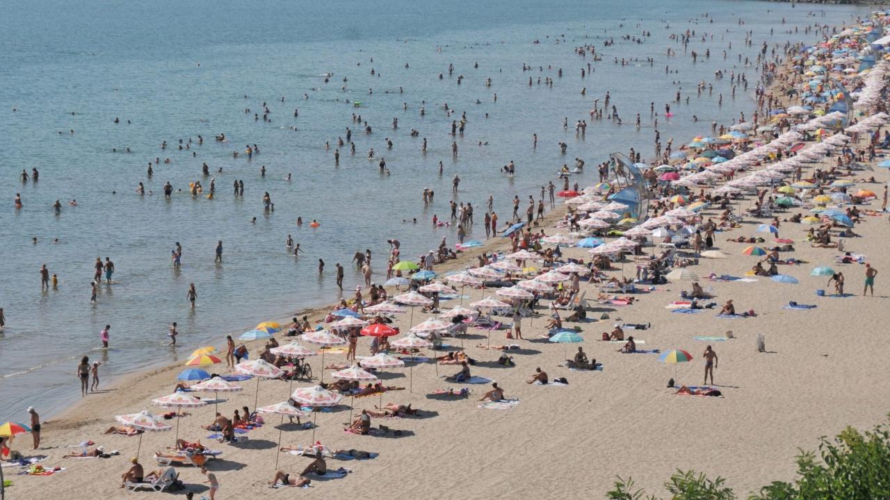 Въпреки кризата загубите в туризма тази година са по-малко