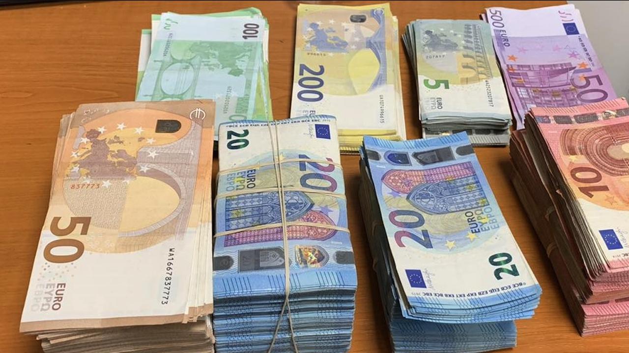 Митничари спипаха недекларирани 70 000 евро
