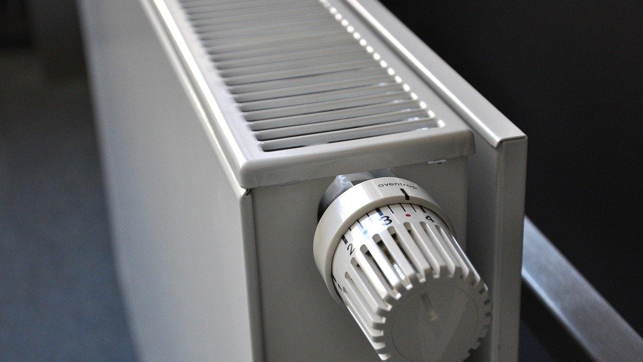 Над 40% от работещите бедни българи нямат пари за отопление