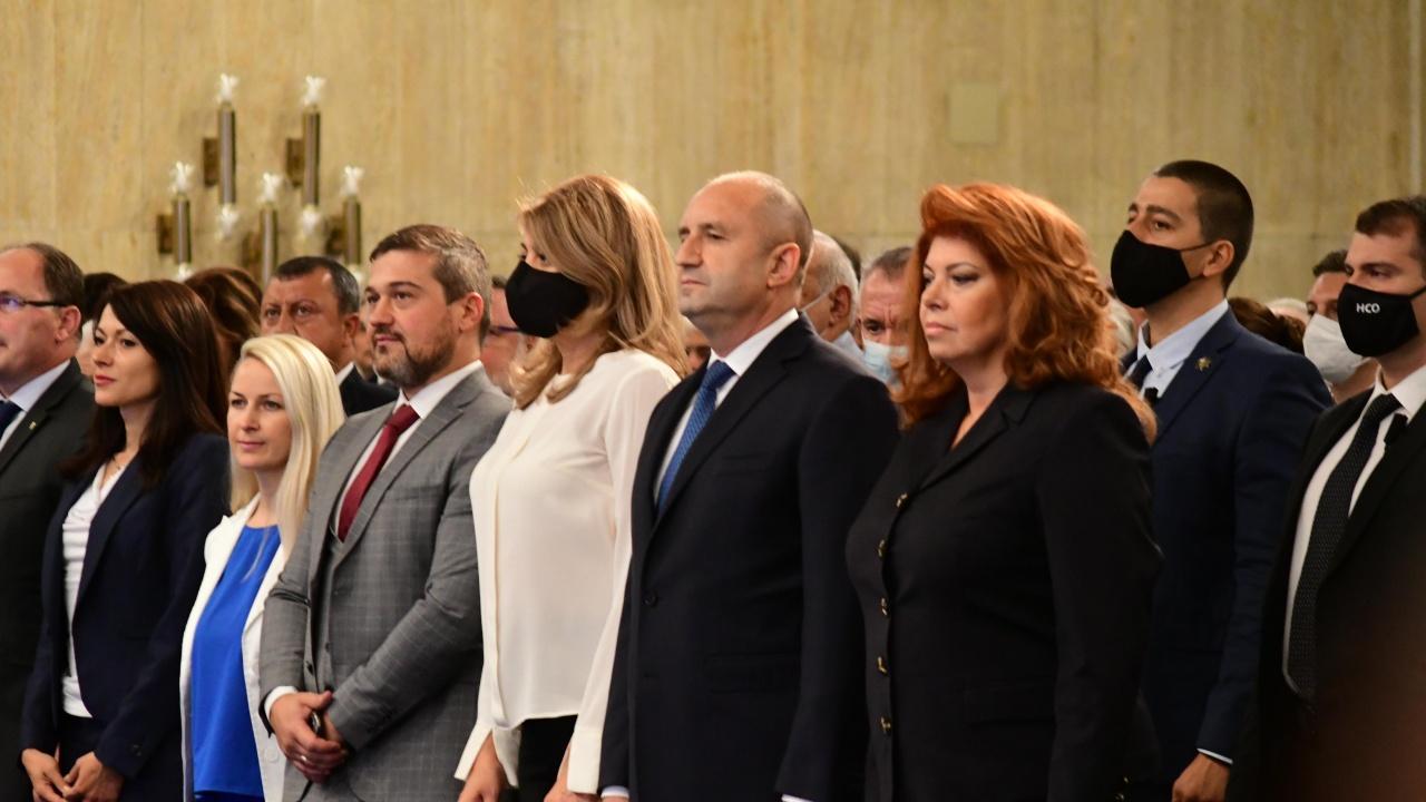 Официално издигнаха Румен Радев за президент, психиатърка, журналистка и диригент оглавиха Инициативния комитет