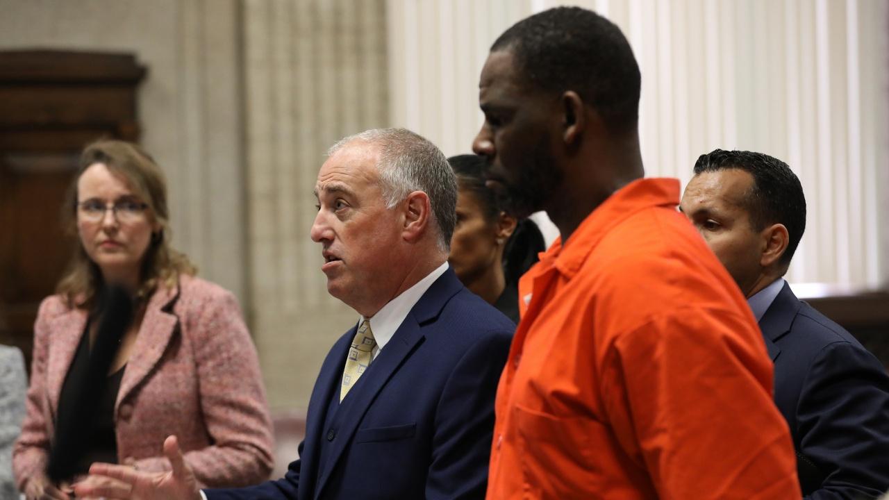 R. Kelly бе признат за виновен по обвинения в сексуални престъпления