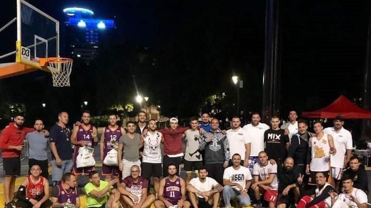 Отборът Fenix Lovech с бронзови медали от столичните състезания 3х3 стрийт баскет
