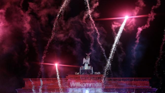 Най-малко един човек е загинал от новогодишни фойерверки в Германия