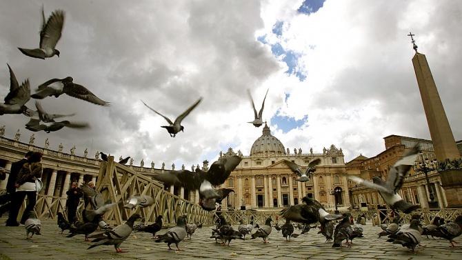Стотици птици са измрели след новогодишната нощ в Рим