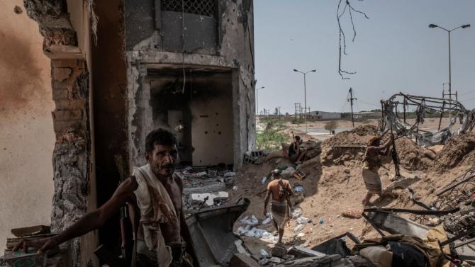Пет жени загинаха при експлозия в Ходейда